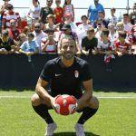 Granada CF y Soldado unen caminos: «Será un año bonito e ilusionante»