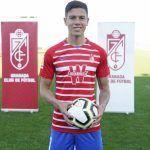 Nehuén Pérez presentado como jugador del Granada CF
